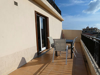 Nice St jean d'Angely - studio 30m² terrasse + parking